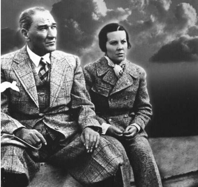 Sabiha Gökçen ve Atatürk
